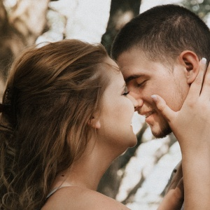 The Truth About Girls In Happy Relationships