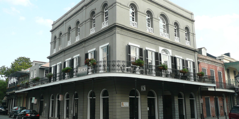 18 Dark And Disturbing Facts About Sick Killer Delphine LaLaurie That'll Make Your SkinCrawl