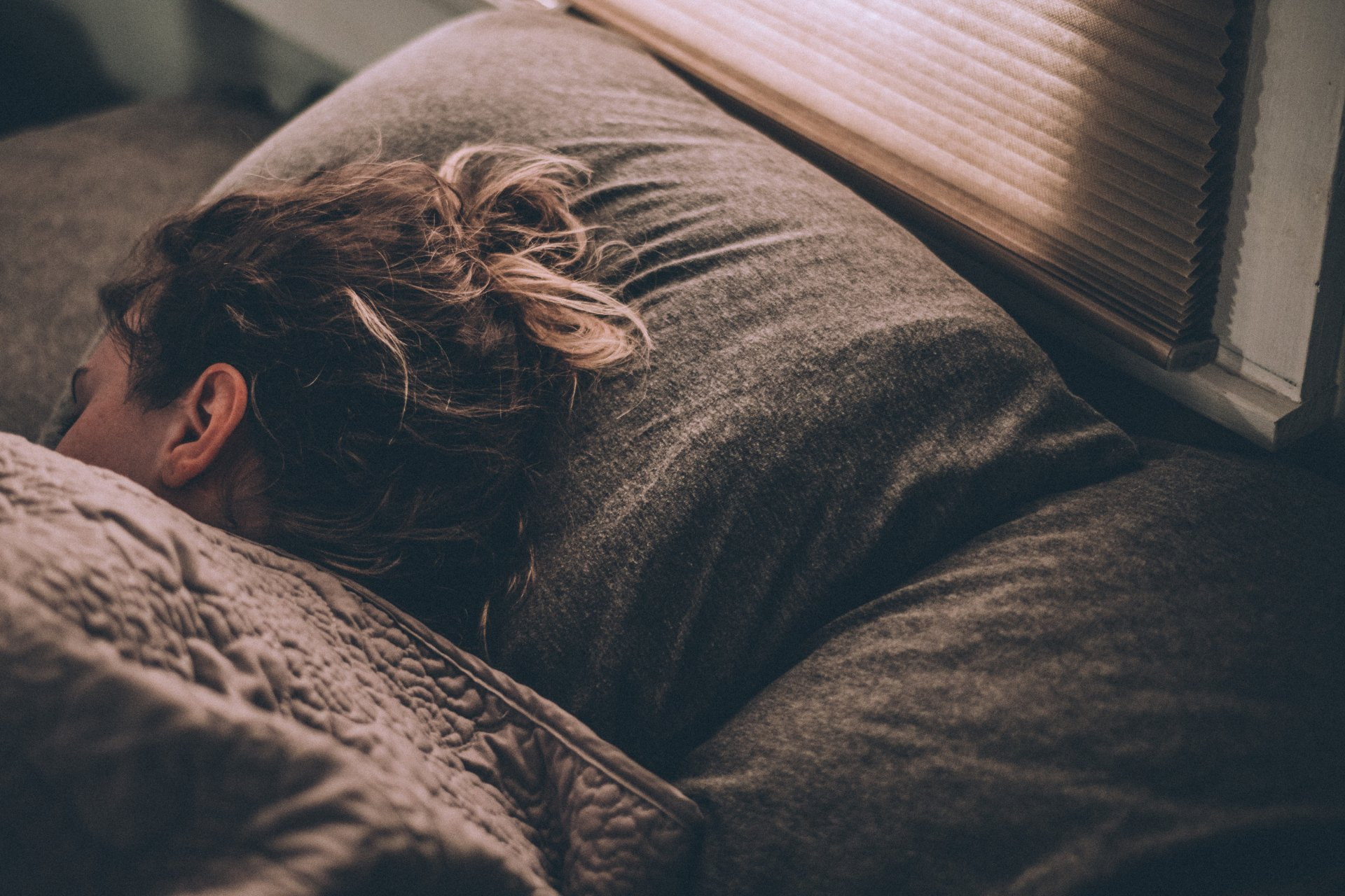 50 Couples On The Creepiest Thing Their Sleep Talking Spouse Said In The Darkness Of The Night