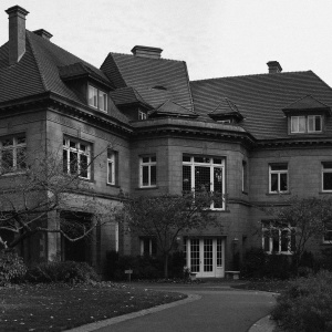 Pittock Mansion: America's Happiest Haunted House?