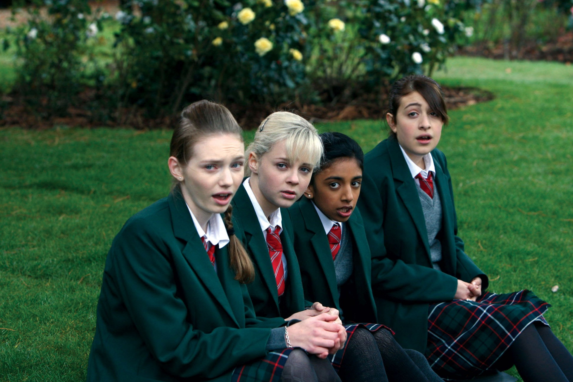 4 Things I Learned While Rewatching Angus, Thongs And Perfect Snogging On Netflix