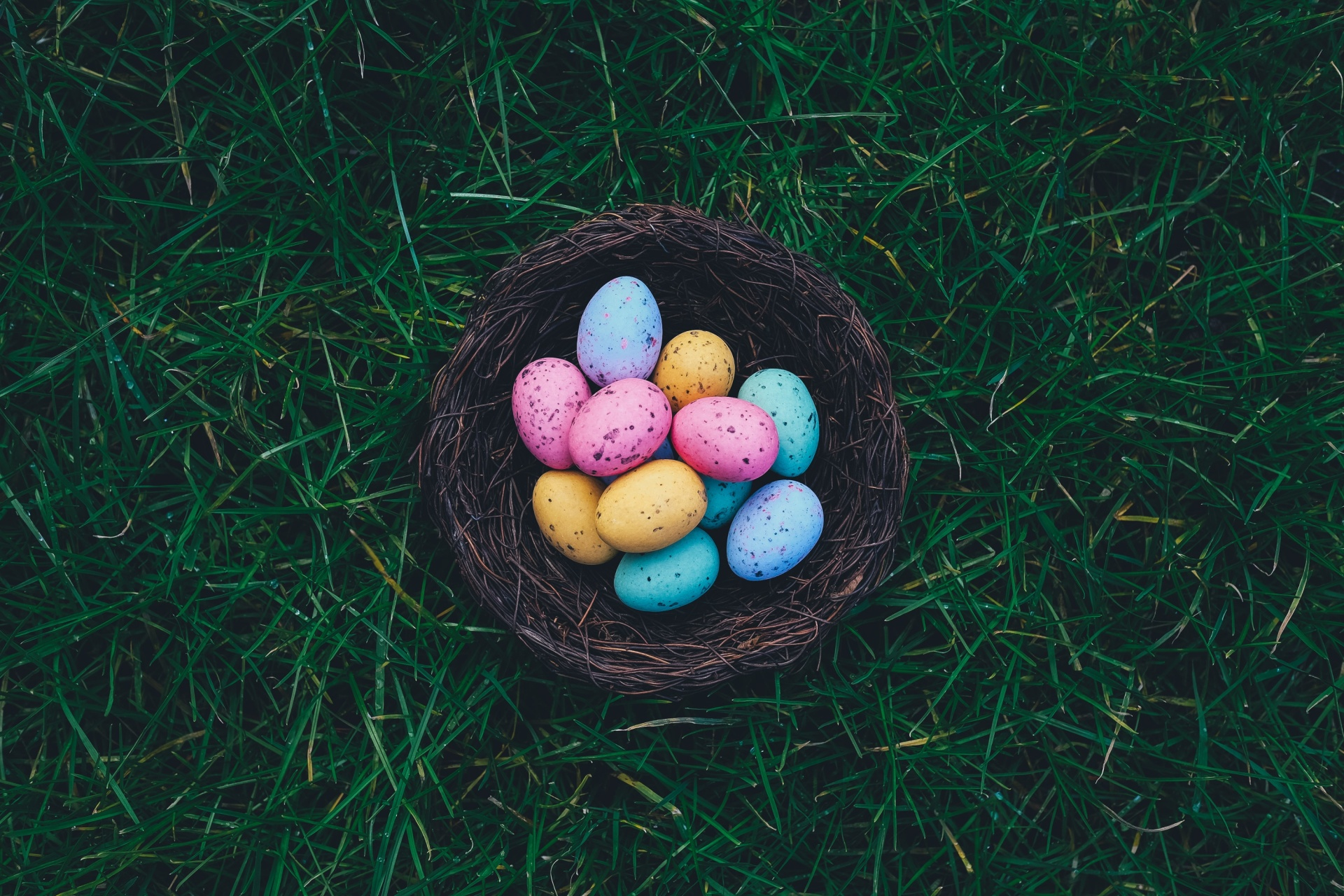 How Each Zodiac Sign Will Be Spending Easter 2019