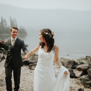 X Ways To Save Money On Your Wedding (So You Have Enough Cash For A Honeymoon)
