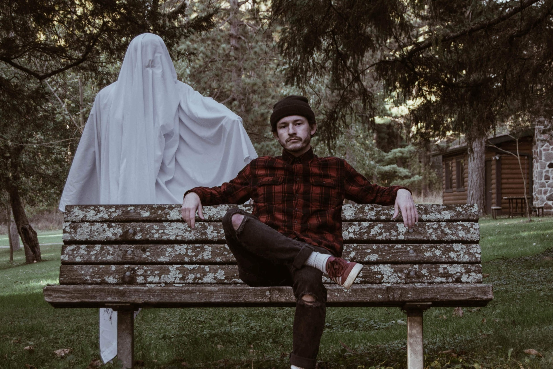 25 Signs Your House Is Haunted