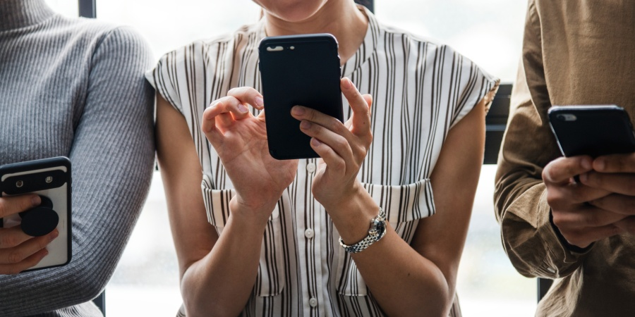 5 Lessons My Phone Taught Me About RelationshipCompatability