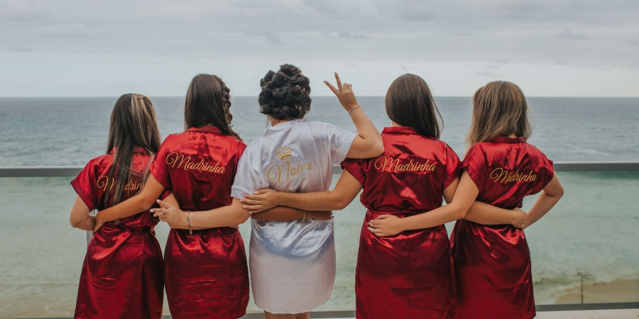 10 Disgustingly Adorable Ways To Ask Your BFFs To Be YourBridesmaids