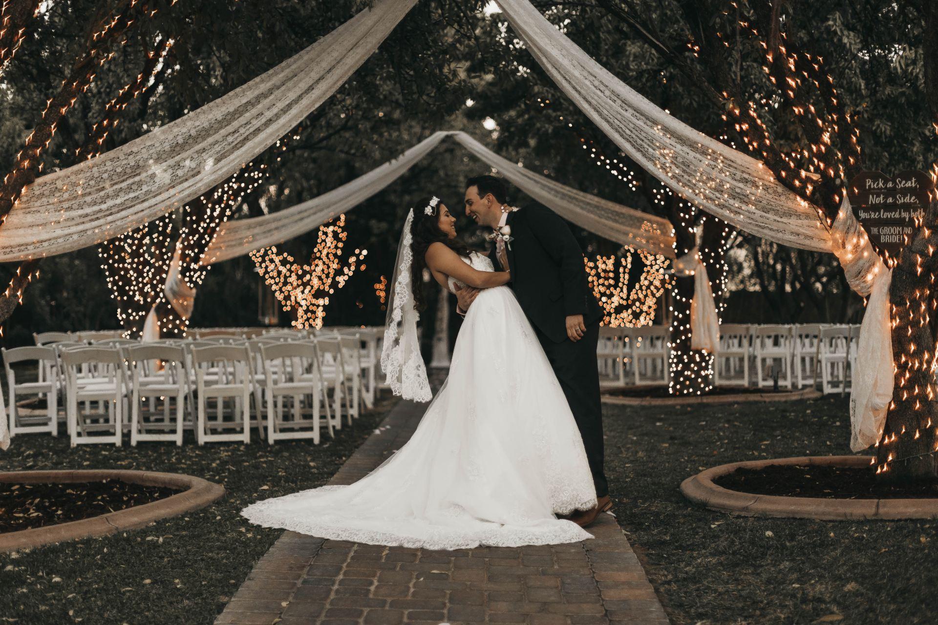 Everything You Need To Know About Unplugged Wedding Ceremonies