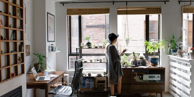 When You're Apartment Hunting, Watch Out For These 30 Red Flags