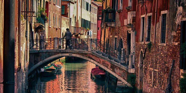 When In Venice, Wear A BowlerHat