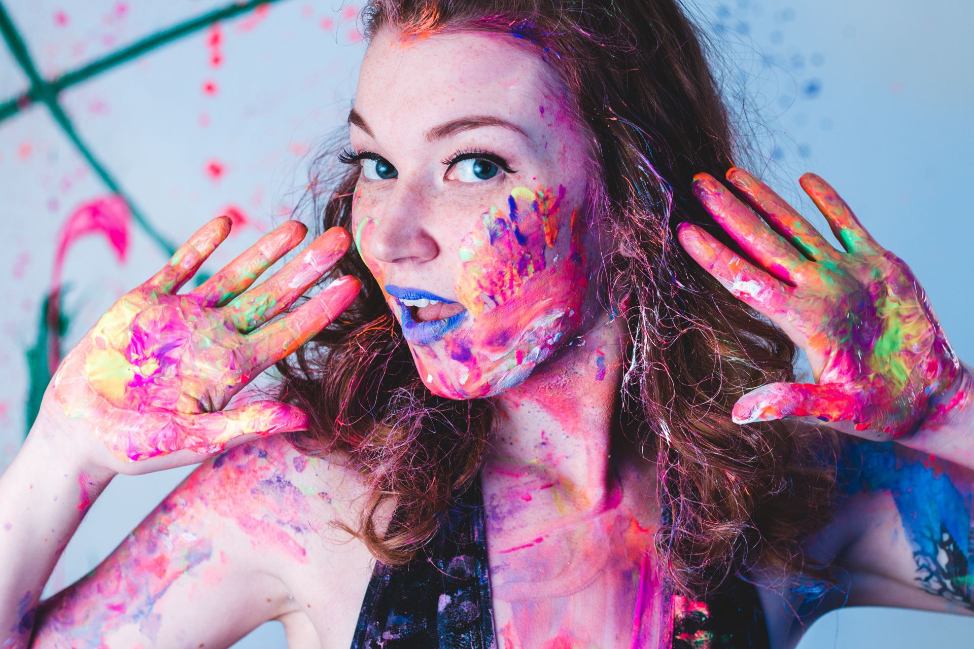 I Went To A Sketchy Club For A 'Paint Party'