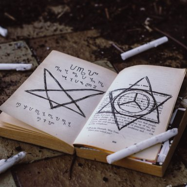 17 Signs You Have A Calling To Witchcraft And Magick