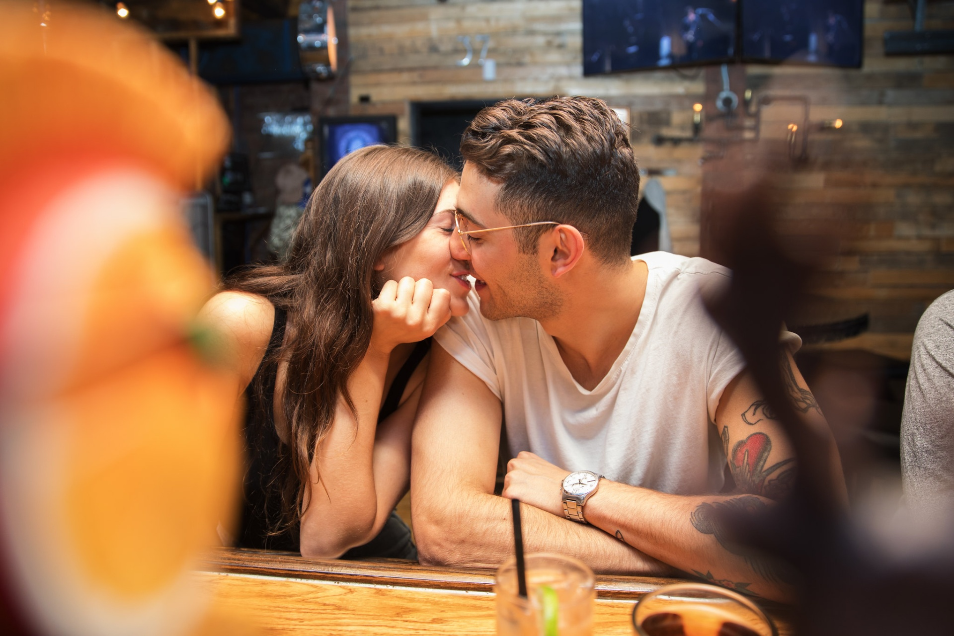 The 4 Zodiac Signs That Fight For Relationships Much Longer Than They Should