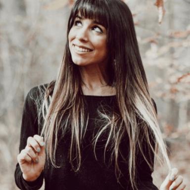 Nicole  Melina