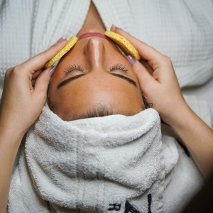 Could Cosmetic Acupuncture Be The New All-Natural Botox?