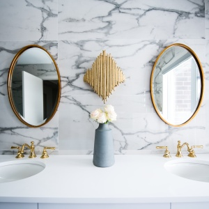 The Best Marble Bathroom Accessories To Add A Touch Of Luxury
