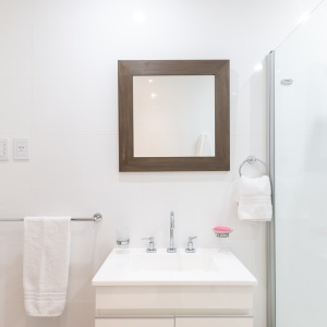 The Trendiest Brushed Nickel Bathroom Accessories You Should Buy