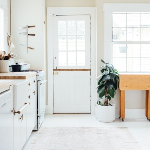 10+ Modern Farmhouse Kitchen Products To Buy