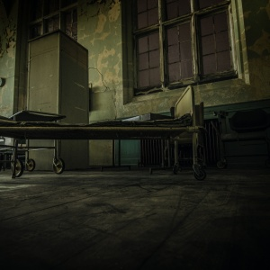 Have You Heard What Happened To The People Who Snuck Into Edgewater Hospital?