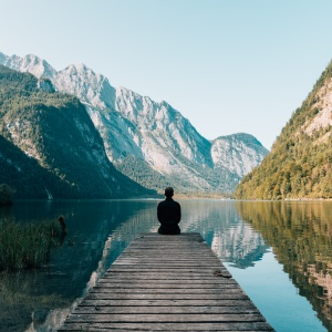 100+ Favorite Alan Watts Quotes on Life and Religion