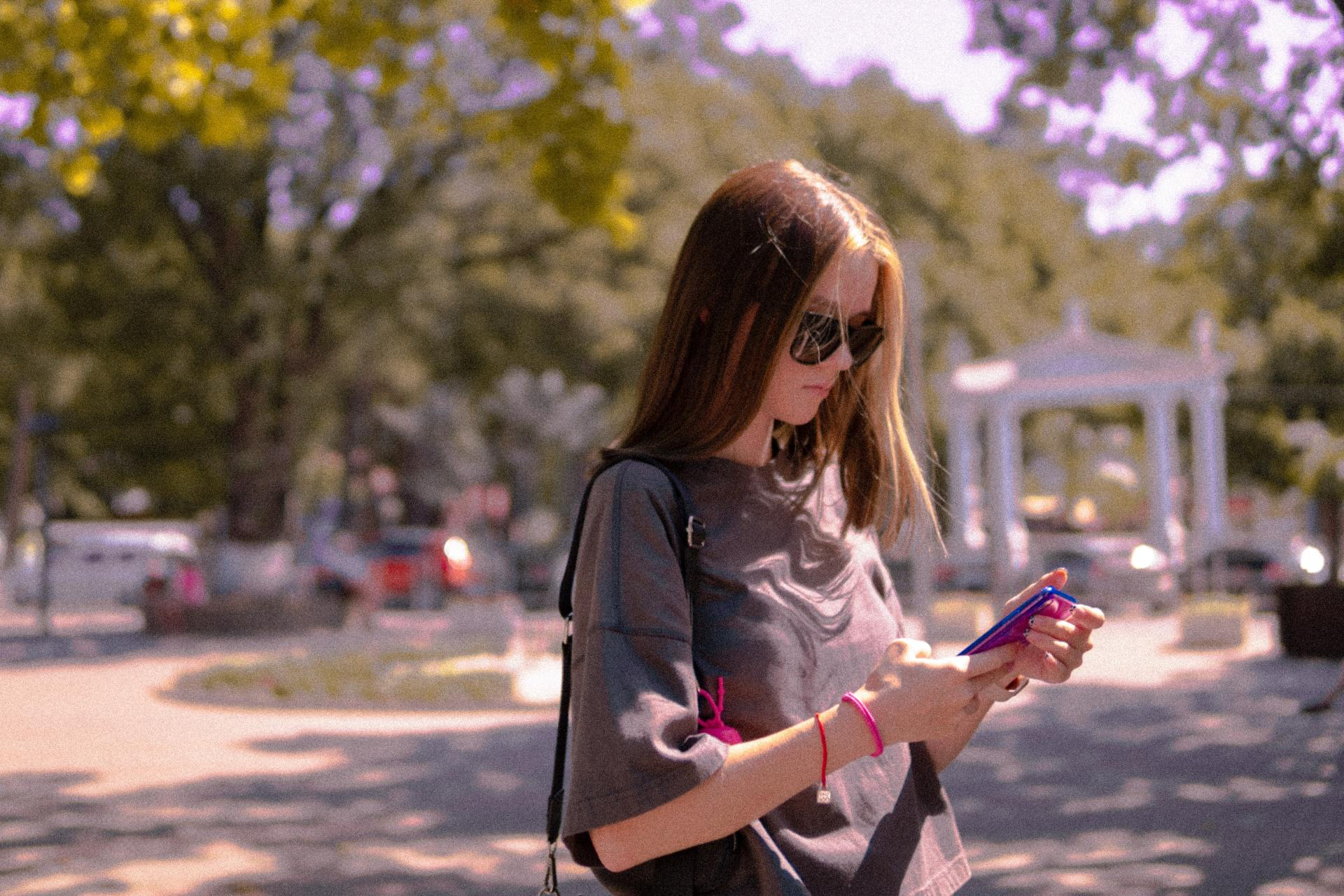 7 Things Girls Expect Over Text