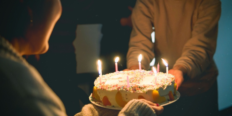 200+ Best Birthday Wishes and Quotes for a Friend or Loved One
