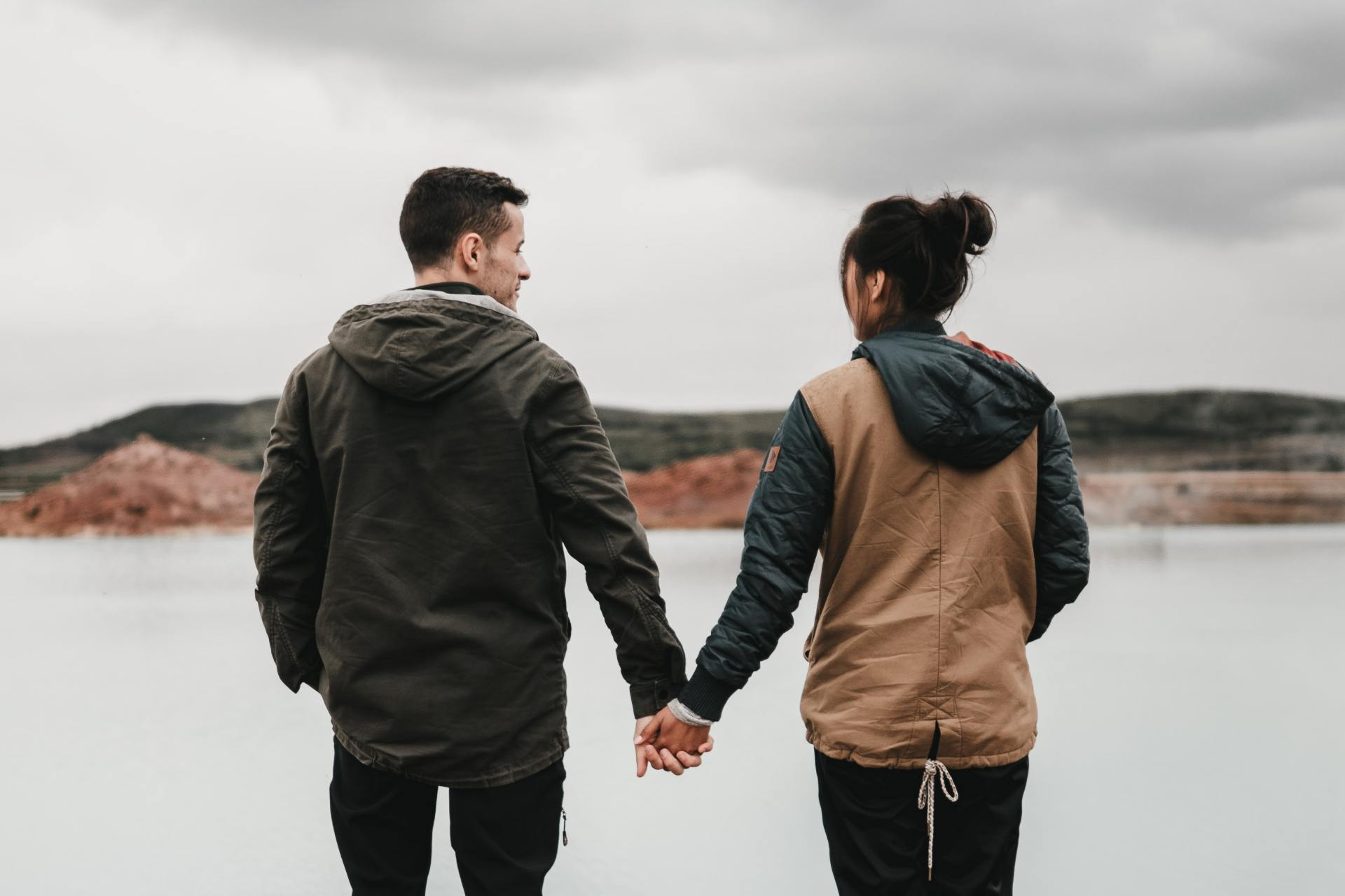 7 Signs You're Not Fully Invested In The Relationship