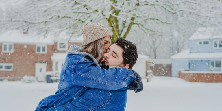 Instead Of Texting Your Ex During The Holidays, Read These WinterRomances