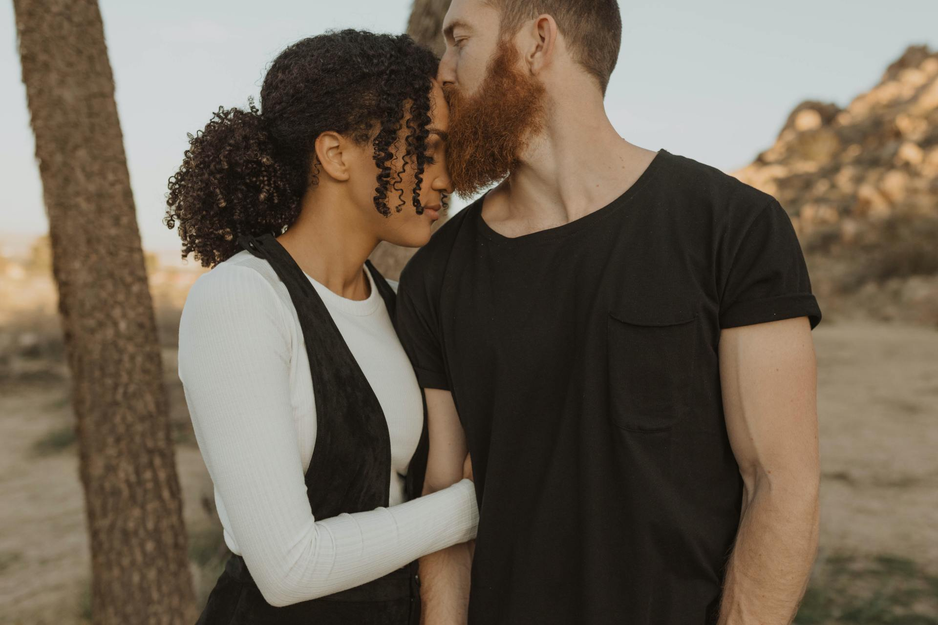 30 Small, Thoughtful Things Girls Want Their Boyfriends To Start Doing