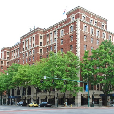 The Ghosts Of Chattanooga's Historic Read House Hotel