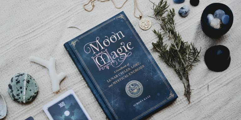 7 Books With Witches, Ghosts, And Magic To Read DuringHalloween